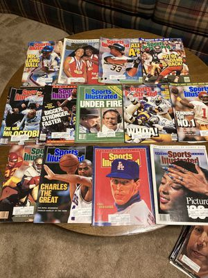 1988 Sports Illustrated Magazines. July 11th and October 10th thru December 26th. Good condition. Total of 13 magazines for Sale in Schertz, TX