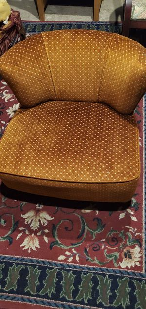 Vintage Swivel Chair for Sale in Tulsa, OK