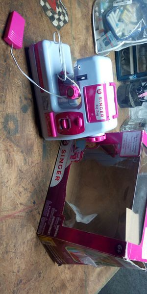 Singer Kids Sewing Machine for Sale in Holt, MO