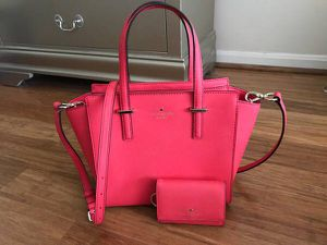 Authentic Kate spade purse with matching wallet new condition for Sale in Annandale, VA