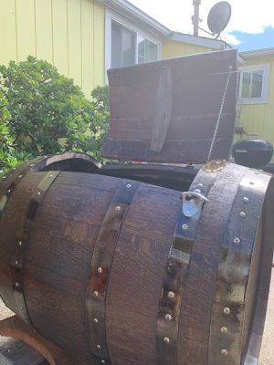 Wooden barrel ice chest for Sale in San Leandro, CA