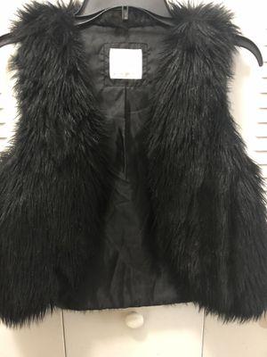 Justice Girls- Faux Fur Black vest- size 16/18 for Sale in Hialeah, FL