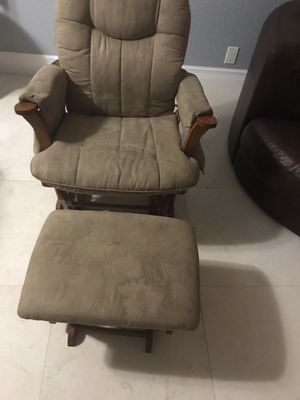 Maternity Rocking Chair for Sale in FL, US