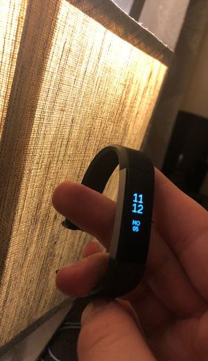Fitbit Alta Fitness Tracker (Mint Condition!) for Sale in Aurora, CO