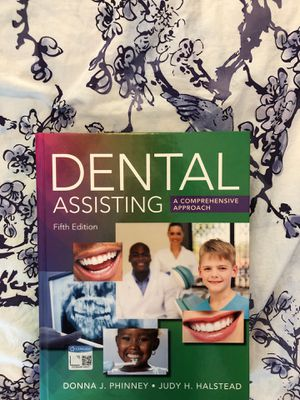 Fifth edition lightly used dental assisting textbook for Sale in Parma Heights, OH