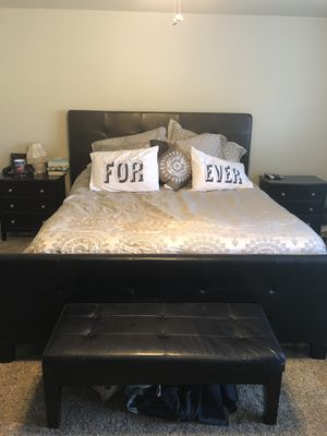 Bedroom Set must go! for Sale in Bakersfield, CA