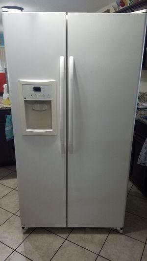 Fridge, stove, microwave for Sale in Eagle Lake, FL