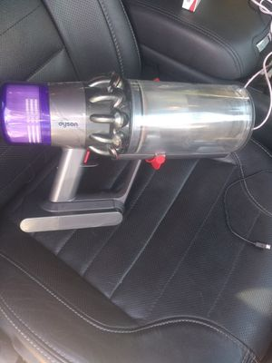 Dyson V-11 cordless vacuums for Sale in Aurora, CO