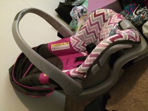 Evenflo infant car seat for Sale in Whitehouse, TX