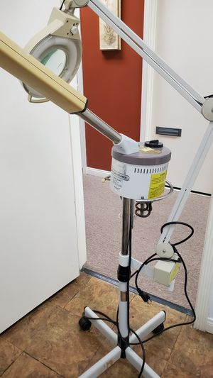 Facial steamer with light for Sale in Downey, CA