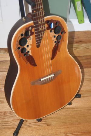Left Handy Ovation Elite Lefty for Sale in New Hartford, CT