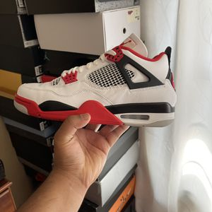 Jordan 4 Fire Red Size 10 for Sale in Portland, OR