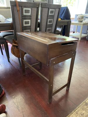 KIDS DESK ****GREAT PRICE**** for Sale in Northbrook, IL
