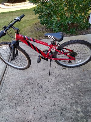 24 inch Performance Holeshot mountain bike for boys for Sale in Morrisville, NC