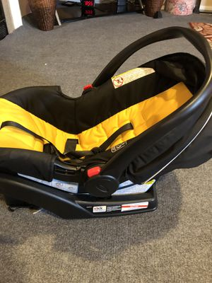 Graco car seat for Sale in Silver Spring, PA