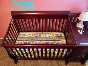 Crib with attached changing table for Sale in Buckeye, AZ