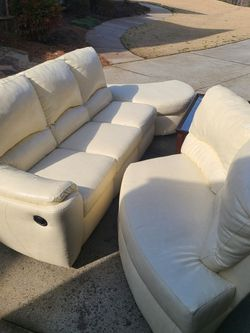 White Sectional Couch for Sale in Cartersville,  GA