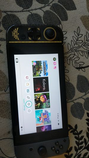 Nintendo Switch (lightly used 4 months old 20+ games) for Sale in Fresno, CA