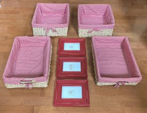11pc Gingham Storage Basket and Picture Frame Set for Sale in Elk Grove, CA