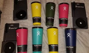 Hydro Flask 32 oz tumblers with lid brand new age for Sale in Paramount, CA