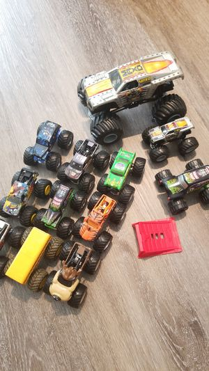 Monster jam trucks truck collection with ramp for Sale in Redington Shores, FL