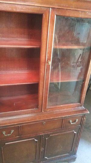 Curio cabinet for Sale in Clarksville, TN