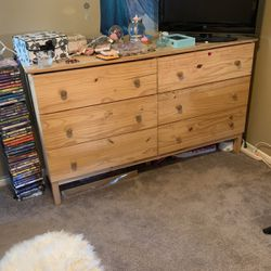 6 Drawer Dresser for Sale in Anaheim,  CA