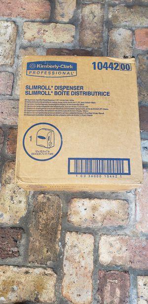 KIMBERLY-CLARK PROFESSIONAL slim roll paper towel dispenser for Sale in Miami, FL