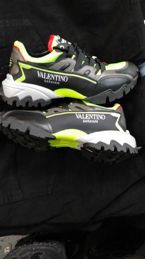 Valentinos size 9 for Sale for sale  Hoboken, NJ
