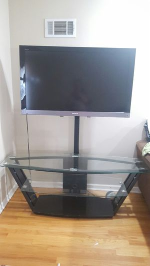 Sony tv with stand for Sale in Skokie, IL