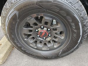 Toyota tacoma tires 265/70/16 for Sale in Springfield, VA