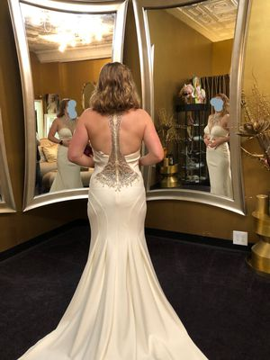 Off white wedding dress/ Prom dress for Sale in Apalachin, NY