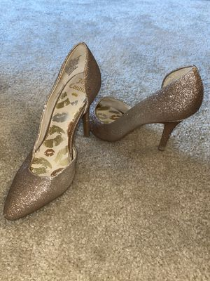 Gold Heel size 7 for Sale in Severn, MD