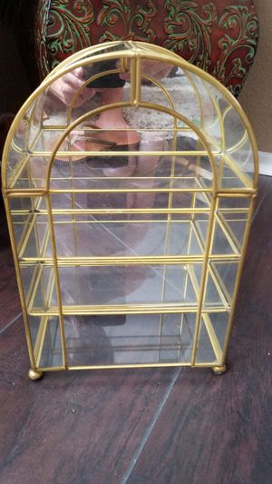 Vintage table top curio for Sale in Wildomar, CA