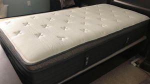 2 week old Twin deluxe memory foam mattress for Sale in Vancouver, WA