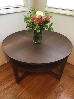 35 inch. Coffee Table for Sale in Oakland, CA