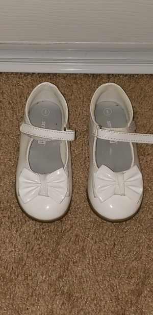 GIRLS WHITE DRESS SHOES for Sale in Elgin, IL