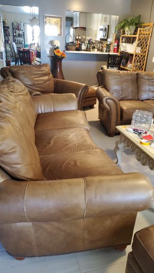 5 piece furniture set couches for Sale in Spring Valley, CA