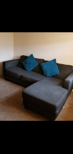 L SHAPE COUCH for Sale in Orlando, FL