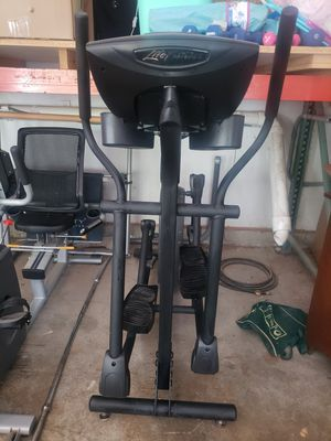 Life fitness x3 elliptical cross trainer for Sale in Shoreline, WA