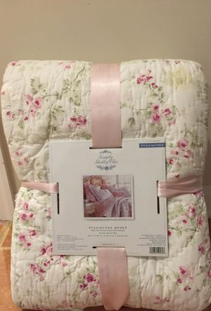 Simply Shabby Chic Quilt Set - Full/ Queen for Sale in Olney, MD