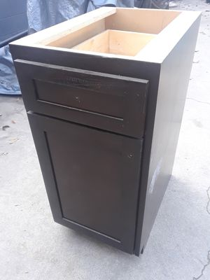 kitchen cabinets for Sale in Lakewood, CA