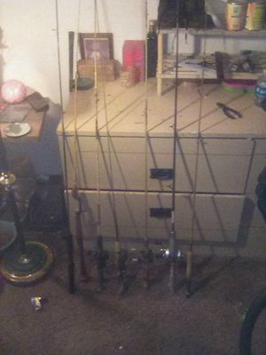 7 fishing poles 4 with reels for Sale in Fresno, CA