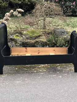 Twin Sleigh Bed for Sale in Bellevue,  WA