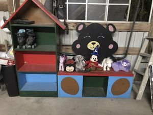 Kid bench with book shelves for Sale in Cedar Hill, TX