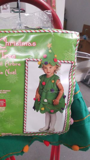 Little Christmas tree costume for Sale in Lakewood, CA
