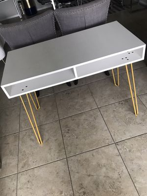 LIKE NEW - DESK, CONSOLE TABLE, VANITY TABLE for Sale in Boynton Beach, FL