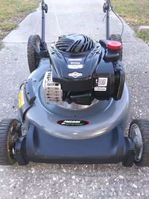 21 inch cut Craftsman lawn mower for Sale in St. Petersburg, FL