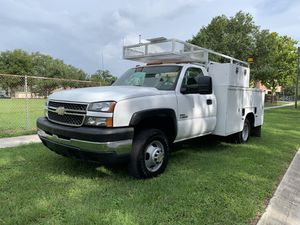 2005 Chevy Silverado 3500 DUALLY DURAMAX utility diesel for Sale in St.Petersburg, FL