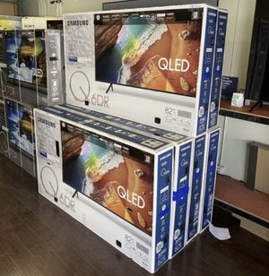 """82Q60 82"""" Samsung smart 4K qled hdr tv for Sale in Anaheim, CA"""
